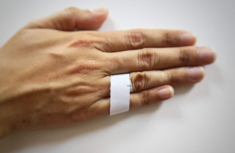 tomar medida con cinta de papel